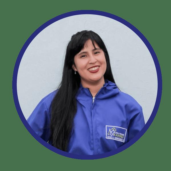 Dra. Julie Hernandez